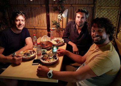Drummer Niles Vandenberg van Kensington bij Indonesisch Restaurant Anak Blitar in Hoofddorp