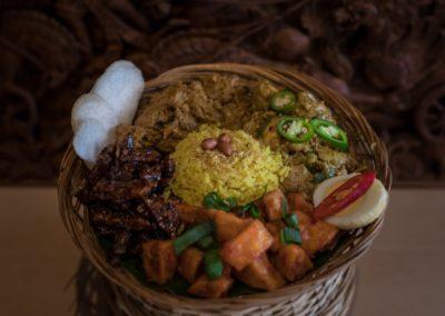 Nasi rames met nasi kuning